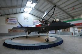 Látványosan gurulgatott az iráni lopakodó, az F313-as Hódító