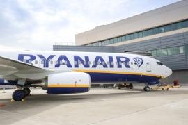 Átvette a Ryanair flottája 450. B 737-800-as gépét