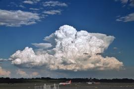 A nyári zivatarok repülésmeteorológiai vonatkozásai - Veszélyes gomolyfelhők